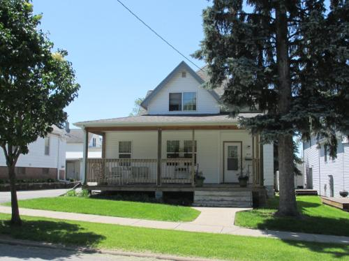 417 E Benton Street Photo 1