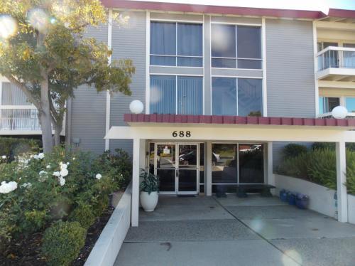 688 Mariners Island Boulevard #203 Photo 1