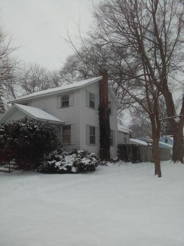 301 S Oakley Street Photo 1
