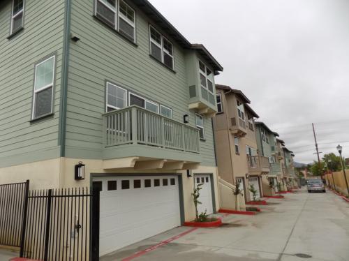 428 Emerald Avenue Photo 1