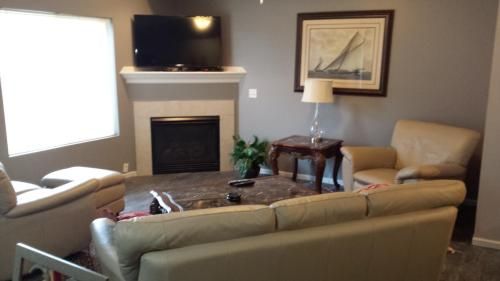 8601 Westown Parkway-furnished #17113 Photo 1