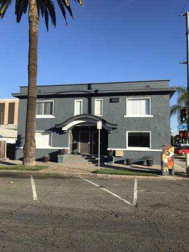 441 E 5th Street Photo 1