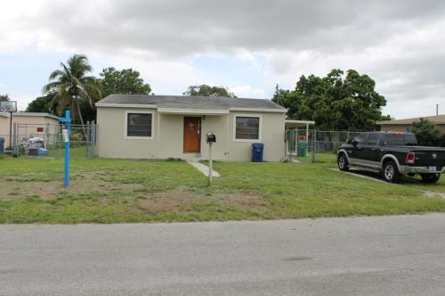 12830 NW 17th Place Photo 1