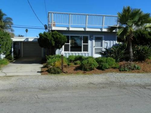 Seacliff Drive Photo 1