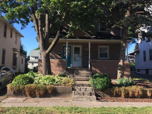 218 W Chestnut Street Photo 1