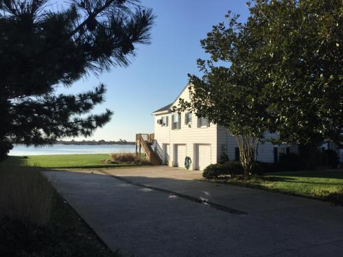 9624 Oceanview Lane Photo 1
