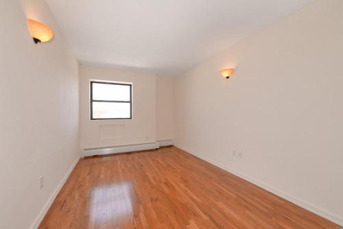 9018 88th Avenue Photo 1
