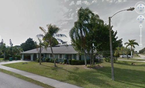 596 105th Avenue N Photo 1