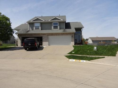 727 Andy Court Photo 1