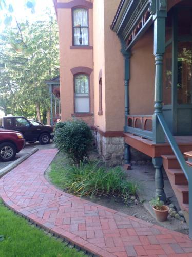 232 Woodward Avenue #3 Photo 1