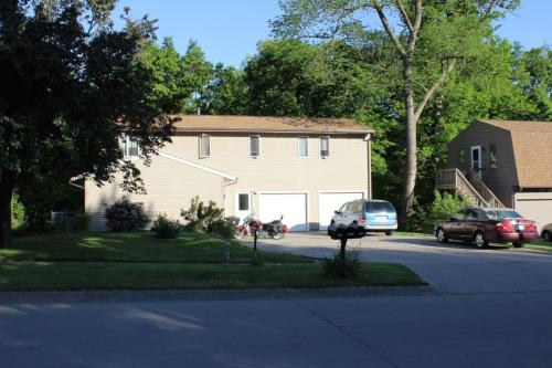 1425 Eastview Drive Photo 1