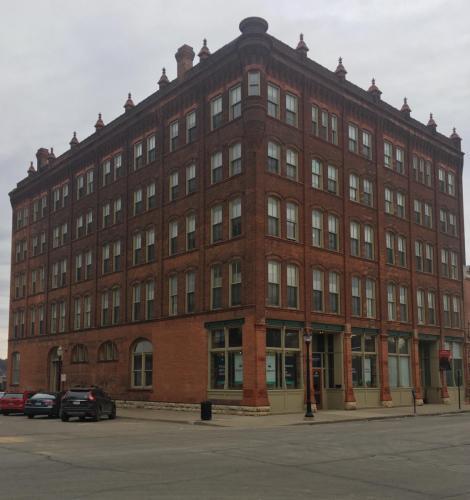 90 Main Street Photo 1