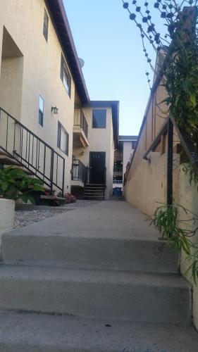 625 W 5th Street #2 Photo 1