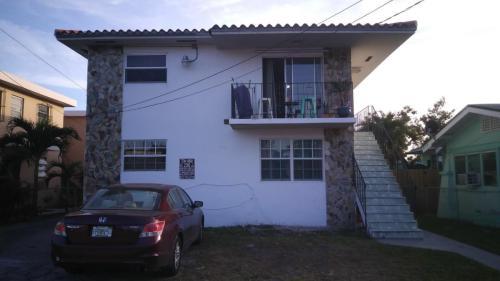 1646 NW 2 Street Photo 1