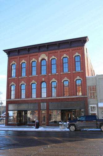 101 W Michigan Avenue Photo 1