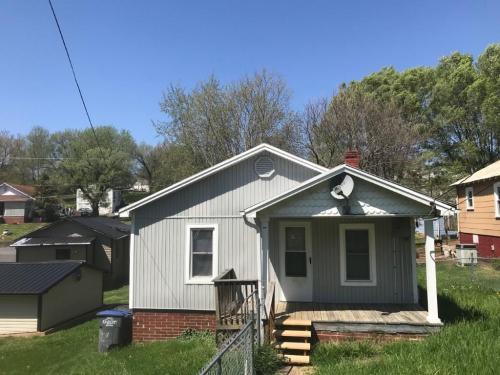 385 Lynn Avenue Photo 1