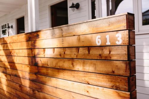 613 E Santa Ana Boulevard Photo 1