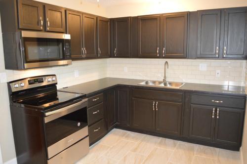 7101 E 85th Terrace Photo 1