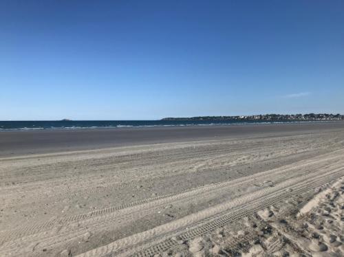 17 Beach Road Photo 1