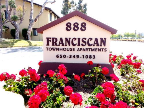888 Foster City Boulevard Photo 1