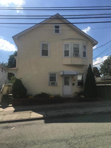 326 Fern Avenue #2R Photo 1