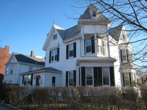 Putnam Street Photo 1