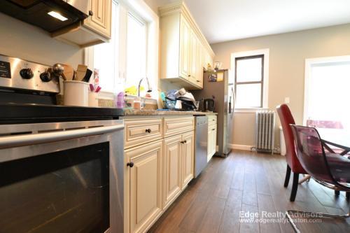 136 Brooks Street Photo 1