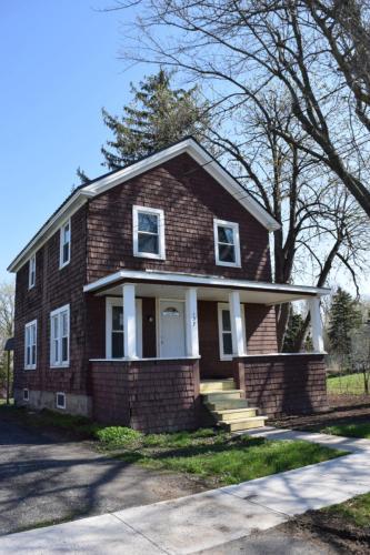 137 E Division Street Photo 1
