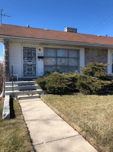 8760 S Kimbark Avenue Photo 1