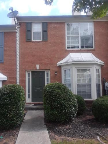 6432 Parkway Trace Photo 1