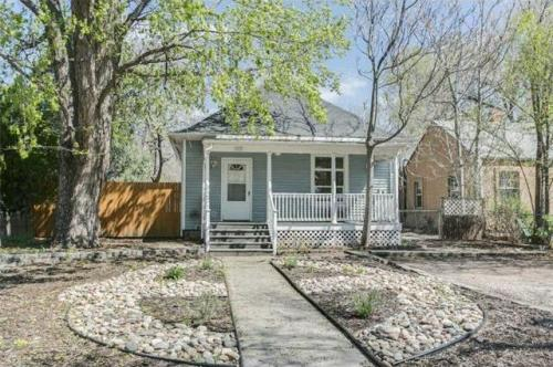 822 E Boulder Street #HOUSE Photo 1