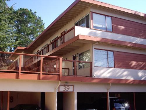 39 Roque Moraes Drive #4 Photo 1