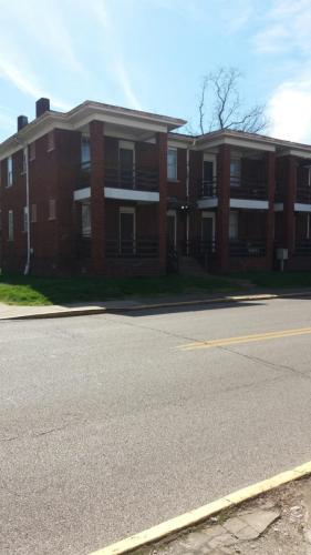 424 Elizabeth Street Photo 1