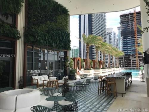 801 S Miami Avenue #2410L Photo 1