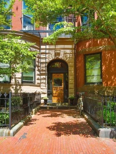 261 Marlborough Street #8 Photo 1
