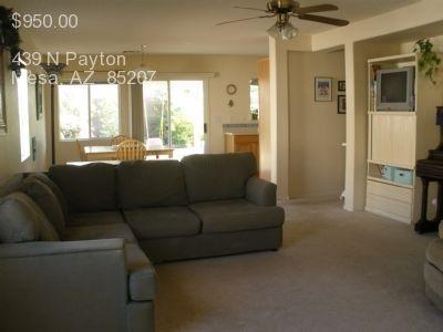 439 N Payton Photo 1