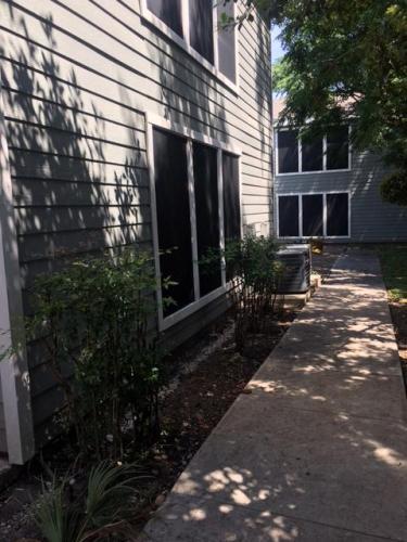 733 E Grayson Street Photo 1