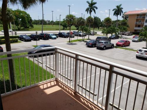 455 S Pine Island Road Photo 1