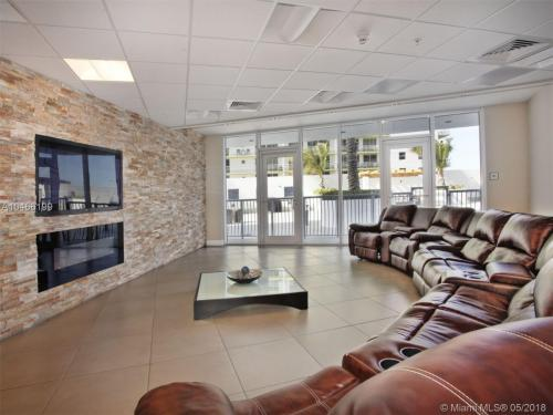 1748 N Bayshore Drive Photo 1