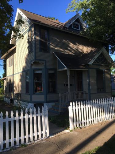 605 W Kalamazoo Avenue Photo 1