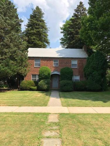 352 Elm Avenue Photo 1