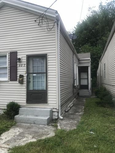 607 E Burnett Avenue Photo 1