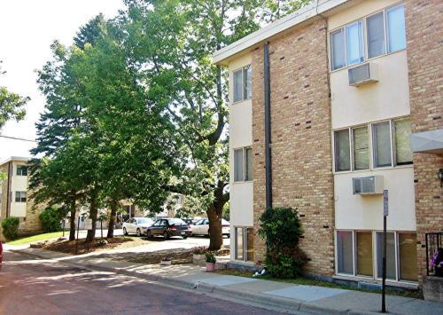 233 School Avenue Photo 1