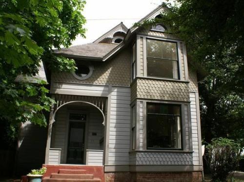 437 Lawrence Street #STUDIO Photo 1