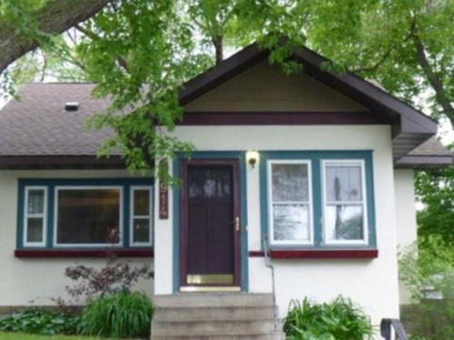 3914 Cedar Avenue S Photo 1