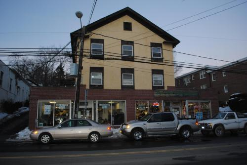 100 Main Street Photo 1