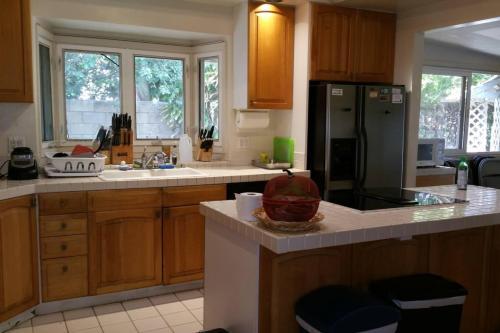 4324 Kilauea Avenue Photo 1