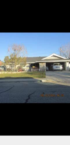 514 Oakwood Street Photo 1