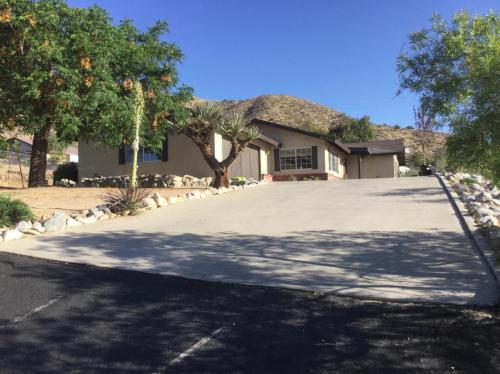 Mojave Drive Photo 1