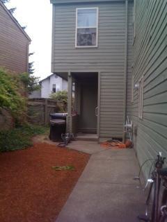 1743 NW Grant Circle Photo 1